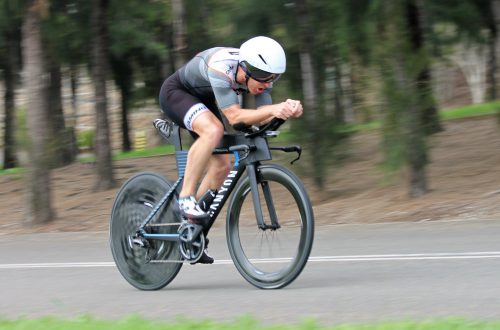 Staying aero to go fast on the bike